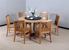 实木餐桌款式有哪些?实木餐桌尺寸选择有技巧