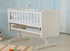 婴儿摇篮床的选购注意事项