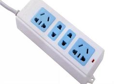 什么是万能插座 万能插座符合国家标准吗