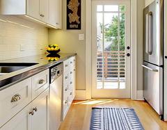 不同厨房台面优缺点及养护方法