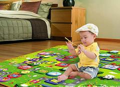 宝宝爬行垫有毒吗?如何选购宝宝爬行垫