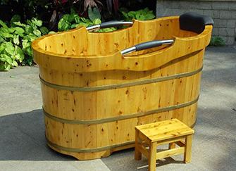 木浴桶有哪些特点 木浴桶养护小贴士