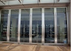 不锈钢玻璃门的安装方法 不锈钢玻璃门的安装注意事项