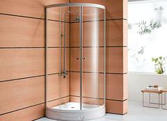 玻璃浴室这么美 不懂清洁怎么行