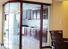 厨房隔断门三种材质 你家装修会选谁