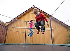 儿童蹦床的好处大揭秘