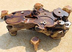 根雕茶台挑选要细心 形态说明它的价值