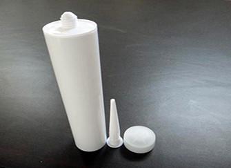 使用玻璃胶注意事项及去除方法