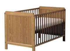 婴儿床这样保养 你还能多使用两年!