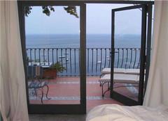 阳台推拉门材质怎么选?