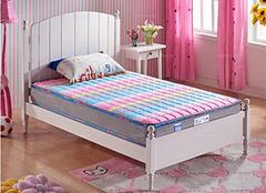 儿童床垫选择技巧 保证实用