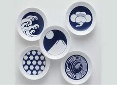 好吃的菜肴 要用创意日式餐具来盛装