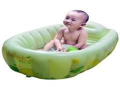 小小婴儿充气浴盆 解决洗澡大难题