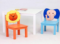 儿童桌椅购买法则 不能只听熊孩子的!