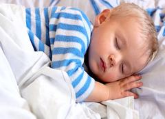 宝宝踢被子有什么妙招  七招让宝宝不再着凉