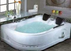按摩浴缸 洗尽疲乏洗出舒适