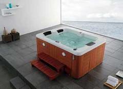学会按摩浴缸清洁保养 让它四季如新