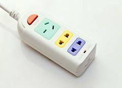 德力西插座 一款可以防雷电的插座