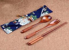 各材质筷子特点 教你吃出健康人生