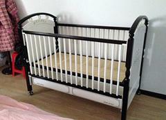 婴儿床护栏作用以及选购要点 家长们不容忽视