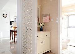 卫生间隔断门选购小诀窍 让空间更完美