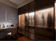 各种类衣柜门优势 给你更好的家居体验