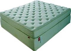 乳胶床垫日常保养方法 床垫不便宜且养且珍惜