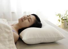 四大技巧教你挑选适合的枕头 让你睡觉无烦忧