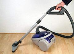 电动吸尘器正确保养方法 让你的吸尘器伴你更久