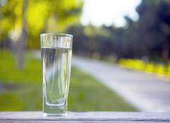 各材质水杯选购指南  喝水也要有讲究