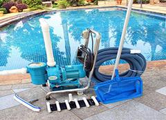 泳池吸尘器种类有哪些? 在水底也可以轻松打扫卫生