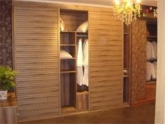 整体衣柜柜门用什么材料最好?