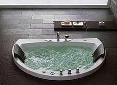按摩浴缸使用注意事项 安心享受沐浴时光