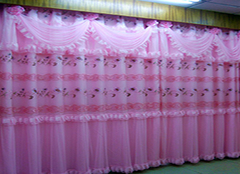 卧室窗帘什么颜色的好 给你不同选择