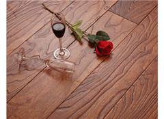 自发热地板怎么样 打铁还需自身硬