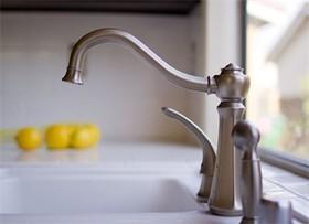 轻松解决厨房水龙头漏水的处理方法 关键是省钱