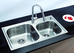 如何清除不锈钢水槽水垢 立马恢复如新