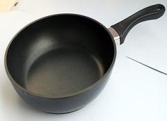 不粘锅好用吗 与铁锅对比一下就明白了