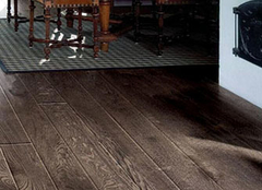 木地板在夏季应该如何保养 给你几招试试看