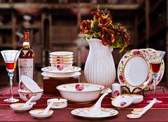 骨瓷餐具有哪些特点 让你的餐具亮起来