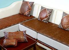 夏天沙发垫选什么材质好 这么选能清凉一夏