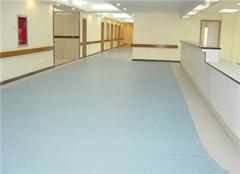 PVC地板和亚麻地板有什么区别 弹性地板哪个好呢