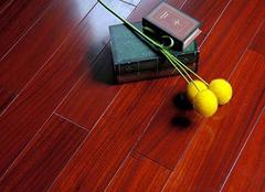 如何正确保养实木地板 提升家居生活质量