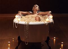 泡澡浴缸如何选择 舒适生活从沐浴开始