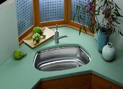 厨房不锈钢水槽的保养技巧 连挑剔的老婆都拍手叫好!