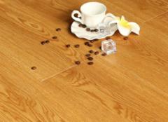去地板污迹的物品 家里都能找到