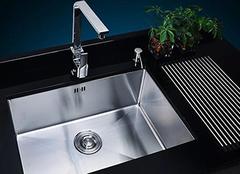 如何购买不锈钢水槽 选购技巧这里有