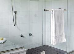 怎么预防浴室玻璃自爆 让沐浴更安全