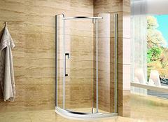 淋浴房材料挑选技巧 优质的沐浴生活