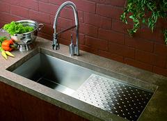 水槽的优点及保养方法 营造舒适厨房空间